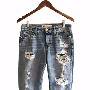 GAP | Relaxed Boyfriend Jeans Distressed | 26